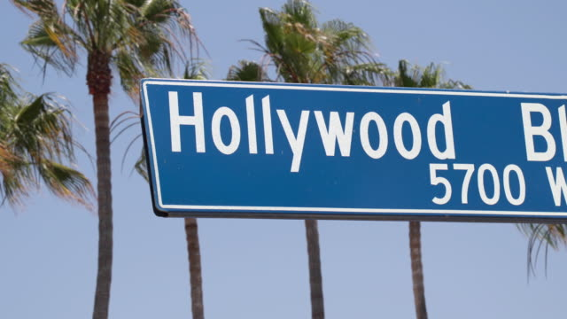 hollywood blvd sign - 4k - segnaletica stradale video stock e b–roll