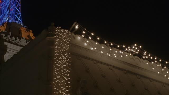 hollywood boulevard on a rainy night. - エルキャピタン劇場点の映像素材/bロール