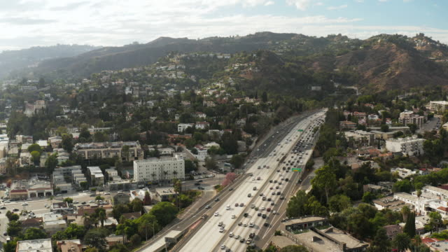 Tiro de Hollywood Freeway-antena abejón