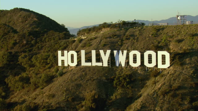hollywood sign on mt lee in los angeles - hollywood los angeles video stock e b–roll