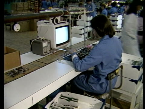 sinclair factory bv woman at work in factory 