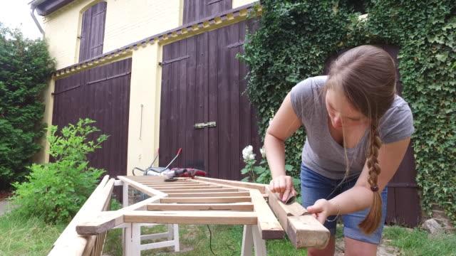 home diy - heimwerken stock-videos und b-roll-filmmaterial