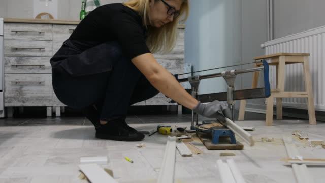 vídeos y material grabado en eventos de stock de mejora del hogar - carpintería