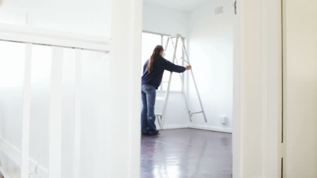 stockvideo's en b-roll-footage met home improvements: ladder - ladder gefabriceerd object
