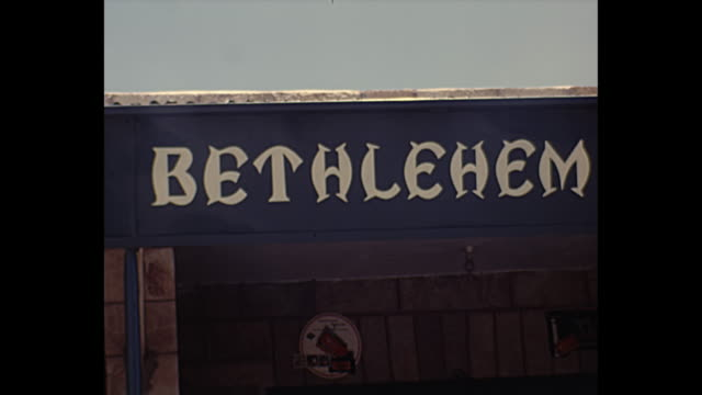 vidéos et rushes de 1968 home movie - bethlehem streets - baudet