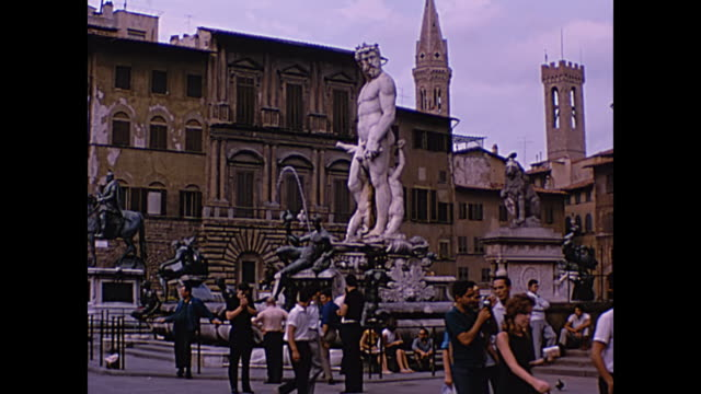 vidéos et rushes de 1964 home movie, fountain of neptune - florence, italy - florence toscane