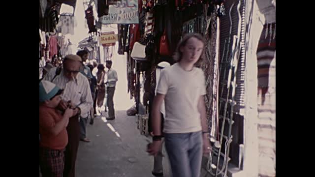 1969 home movie israel  - street market - gerusalemme video stock e b–roll