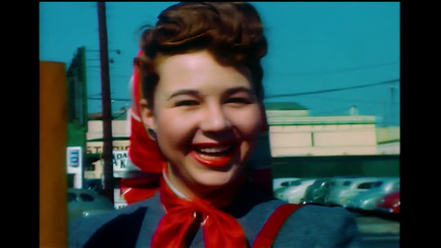 vídeos de stock, filmes e b-roll de home movie cu of jane withers waving and smiling to camera 1940s - atriz