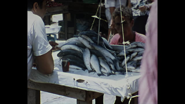 vidéos et rushes de 1968 home movie  / jerusalem street market - 1968