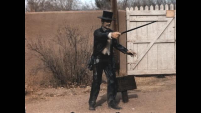 vídeos y material grabado en eventos de stock de home movie of a visit to the o.k. corral in the late 1960's. - western usa