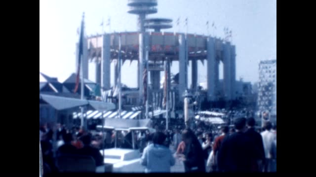 vídeos de stock e filmes b-roll de home movie reel from the new york world's fair - 1964