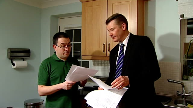 stockvideo's en b-roll-footage met home repossessions set to rise despite government aid initiative england int james cousins describing letter threatening him with repossession sot... - initiatief