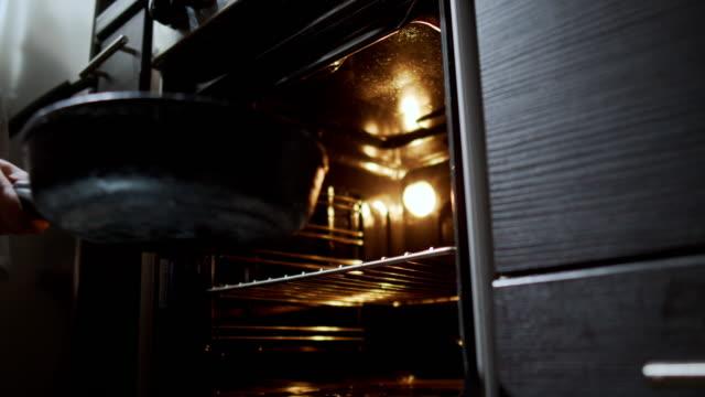 vidéos et rushes de pain fait maison - taking off
