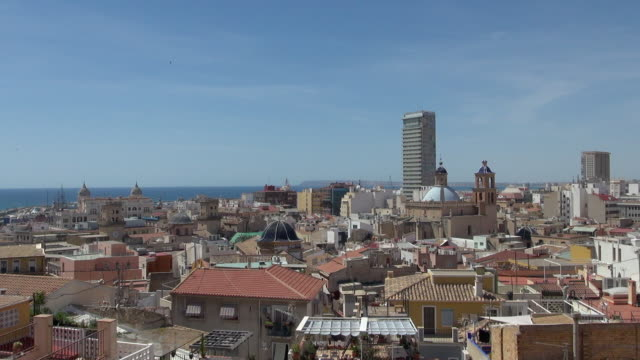 homes and buildings in the city of alicante spain - campo totale video stock e b–roll