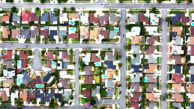 vídeos de stock e filmes b-roll de homes in orange county, california - expansão urbana