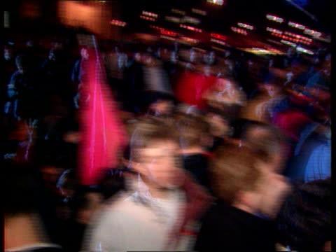 vídeos y material grabado en eventos de stock de homosexual age of consent campaign homosexual age of consent campaign lib at night angry demonstrators chanting being manhandled by police - aprobado