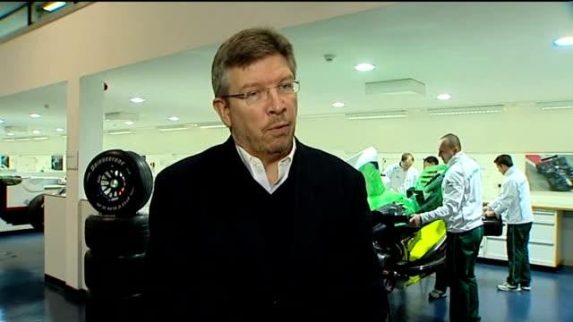 honda formula one team put up for sale; northamptonshire: brackley: ross braun interview sot - honda bildbanksvideor och videomaterial från bakom kulisserna