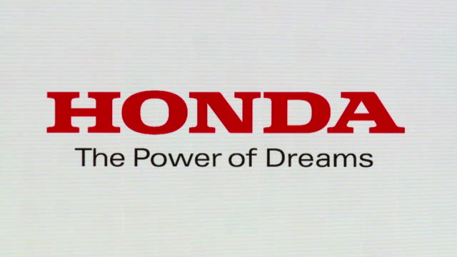 honda motor co. said monday that it will begin selling an all-new two-seat convertible sports mini-car for the first time in 19 years. honda, one of... - honda bildbanksvideor och videomaterial från bakom kulisserna