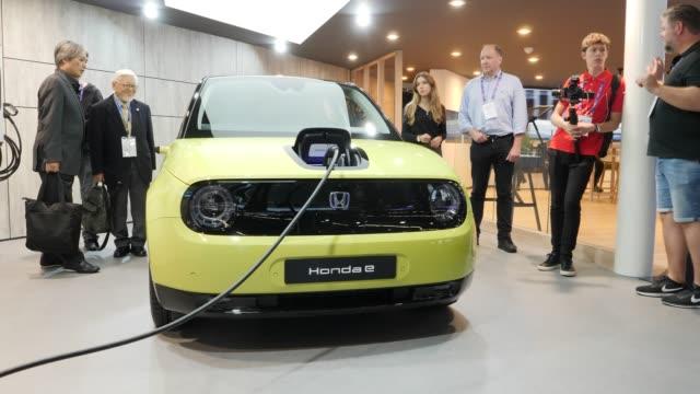 honda presents its honda e electric car at the 2019 iaa frankfurt auto show on on september 11 2019 in frankfurt am main germany the iaa will be open... - ホンダ点の映像素材/bロール