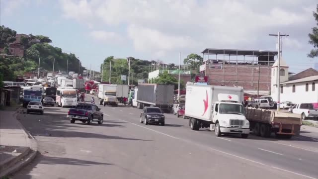Honduras public transporters gradually resume their activities after two days of a national strike to demand lower fuel prices and pursue their...