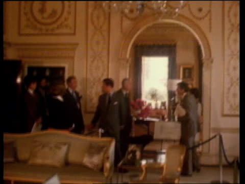 vídeos de stock e filmes b-roll de honeymoon in broadlands; bed tilt as lord mountbatten and prince charles in room cms side prince charles prince charles:sof: lady diana in background... - lua de mel