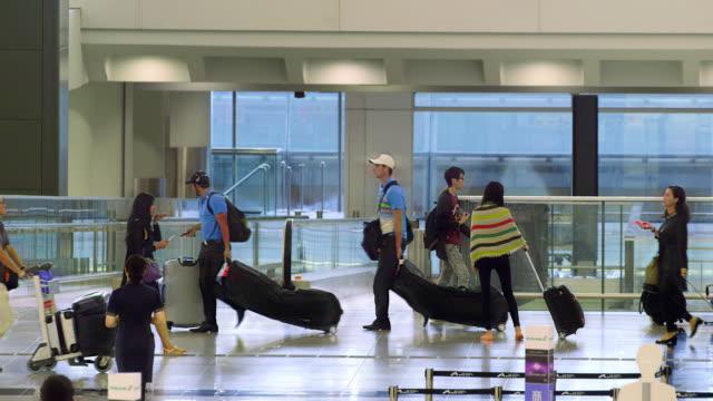 vidéos et rushes de hong kong airport - aéroport international de hong kong