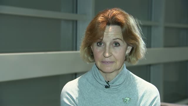 all ivory sales to be banned england london gir int maryjane attwood interview sot - 象牙点の映像素材/bロール