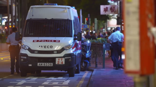 CHN: Hong Kong residents prepare to seize UK offer of a new life