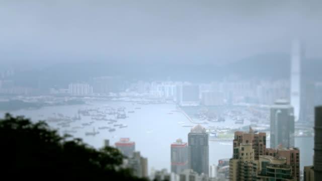 vidéos et rushes de hong kong avec vue sur la mer - victoria peak
