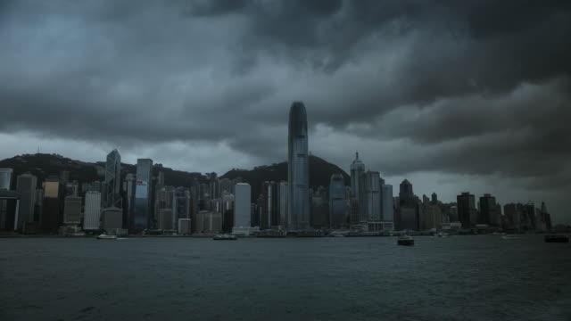 stockvideo's en b-roll-footage met hong kong skyline timelapse - hong kong