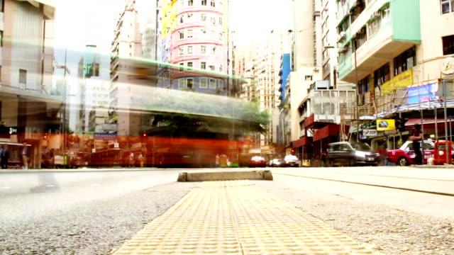 time lapse - hong kong street life - trådbuss bildbanksvideor och videomaterial från bakom kulisserna