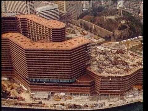 hong kong tower blocks and hotels - ピーター・シソンズ点の映像素材/bロール