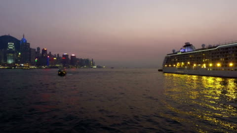 hong kong victoria harbor and star ferry - star ferry stock-videos und b-roll-filmmaterial