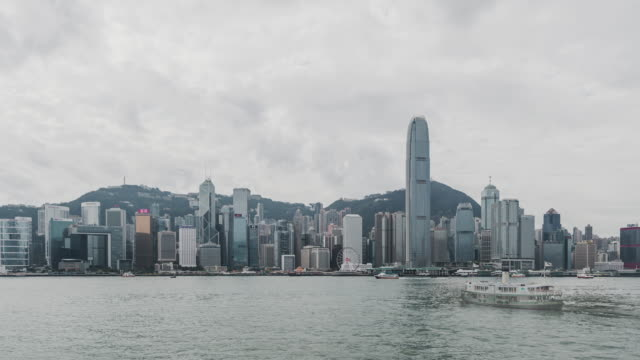 t/l ws zo hong kong victoria harbor panorama - boat point of view stock videos & royalty-free footage