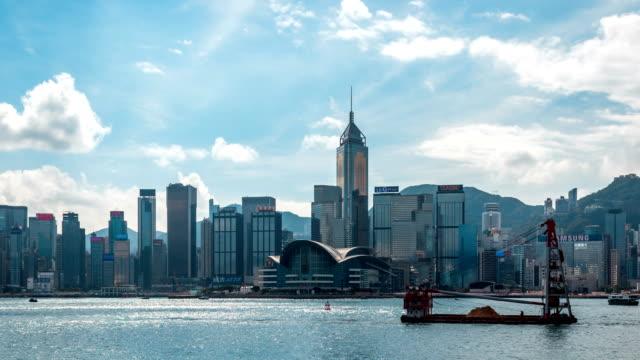 hong kong, victoria harbour e skyline/timelapse 4k - victoria hong kong video stock e b–roll