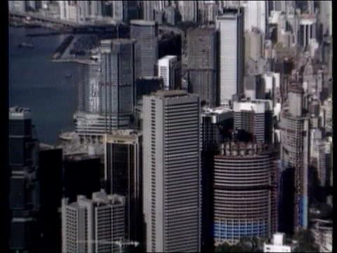 vidéos et rushes de hong kong's future ext tgv hong kong skyline pull out tgv ditto - 1992