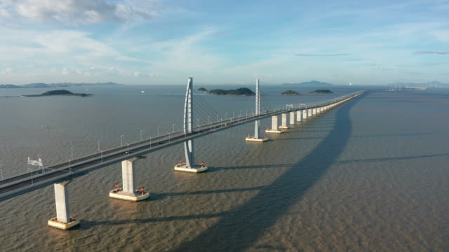 hong kong-zhuhai-macao bridge - brücke stock-videos und b-roll-filmmaterial