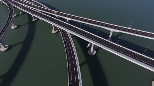 hong kong–zhuhai–macau bridge - ponte video stock e b–roll