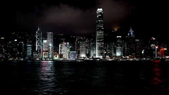 vídeos de stock, filmes e b-roll de horizonte de hong kong à noite - ilha de hong kong