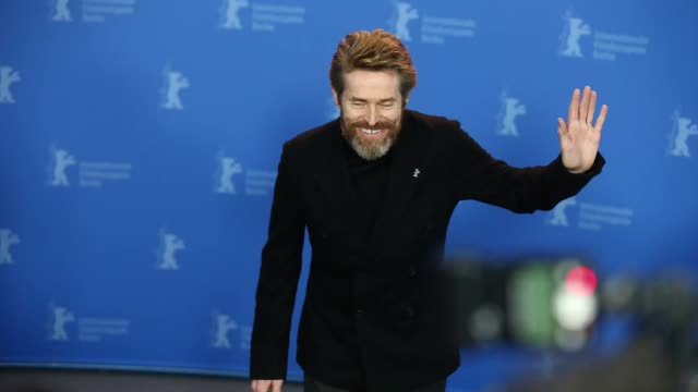 honorary golden bear winner willem dafoe poses at the hommage willem dafoe photo call during the 68th berlinale international film festival berlin at... - 映画賞点の映像素材/bロール