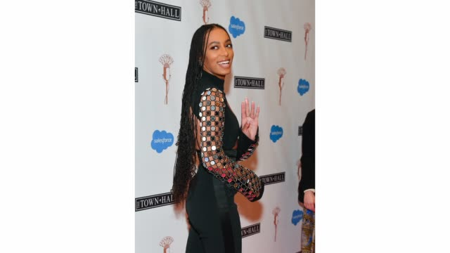 vídeos y material grabado en eventos de stock de honoree solange knowles attends the lena horne prize for artists creating social impact inaugural celebration at the town hall on february 28, 2020... - impacto