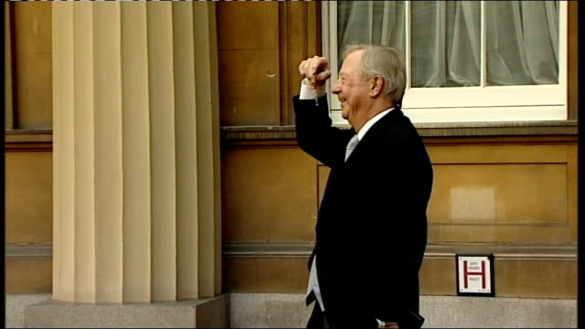 jessica ennis and tim brooke taylor england london buckingham palace ext tim brooke taylor along in courtyard / side shot tim brooke taylor photocall... - order of the british empire stock videos and b-roll footage