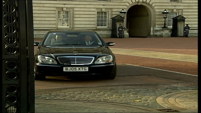 lollypop lady stella muncaster receives mbe ext flag flying above palace car towards from palace general view of buckingham palace with tourists... - lollypop lady stella muncaster stock videos & royalty-free footage