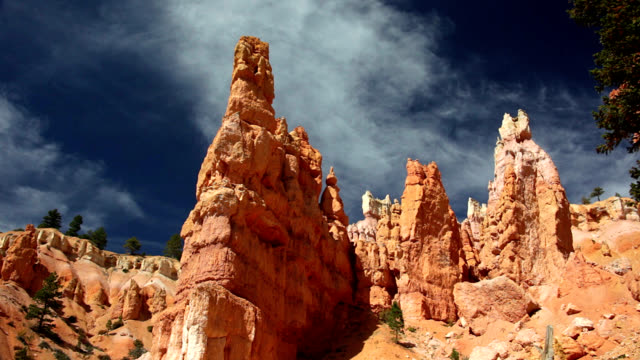 hoodoos in bryce canyon - grand staircase escalante national monument stock-videos und b-roll-filmmaterial