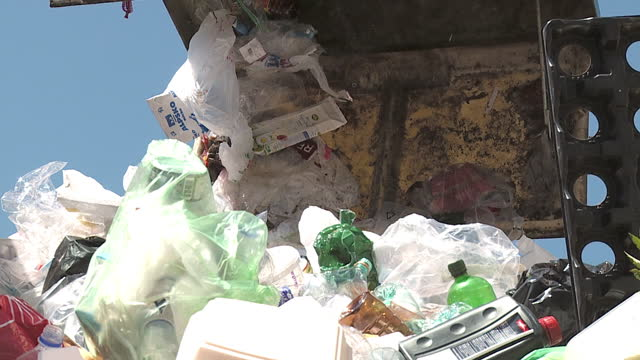 slo mo cu la hook dumpster emptying waste container, vrhnika, slovenia - garbage stock videos & royalty-free footage
