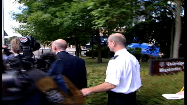 gary mann walks free after deportation from portugal itn england uxbridge magistrates court day gary mann speaking to press as along from court sot... - deportation stock videos & royalty-free footage