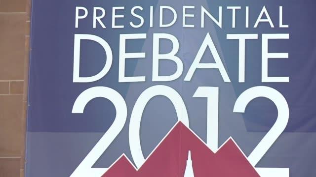 hora de debatir para el democrata barack obama y el republicano mitt romney quienes se enfrentaran este miercoles en denver en el primero de tres... - foro video stock e b–roll