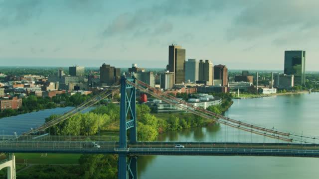 horizontal drone flight alongside anthony wayne bridge in toledo, ohio - ohio stock videos & royalty-free footage