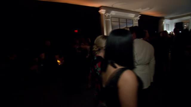 vídeos y material grabado en eventos de stock de hors d'oeuvres served at the 75th annual golden globe awards postparty at the beverly hilton hotel in california - the beverly hilton hotel