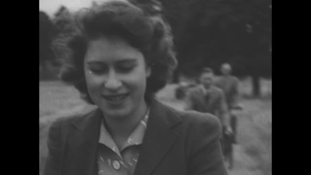 ws horsedrawn buggy carrying queen elizabeth rides in sandringham pasture as princess elizabeth princess margaret king george vi and other person... - elizabeth ii stock videos & royalty-free footage